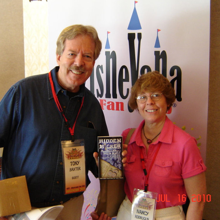 Nancy Temple Rodrigue and the Tony Baxter at the Disneyana Convention